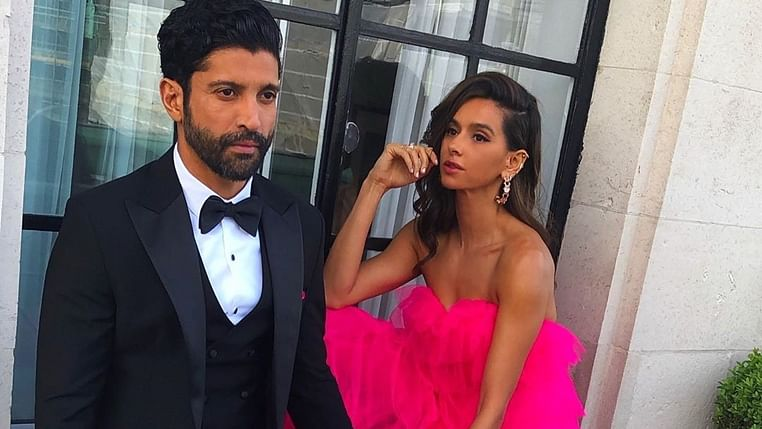 Farhan Akhtar and GF Shibani Dandekar to walk for Payal Singhal at LFW 2019