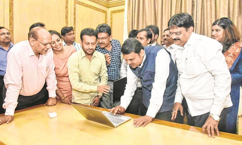 CM Fadnavis launches online service of OBC Finance, VJ-NT development corporation