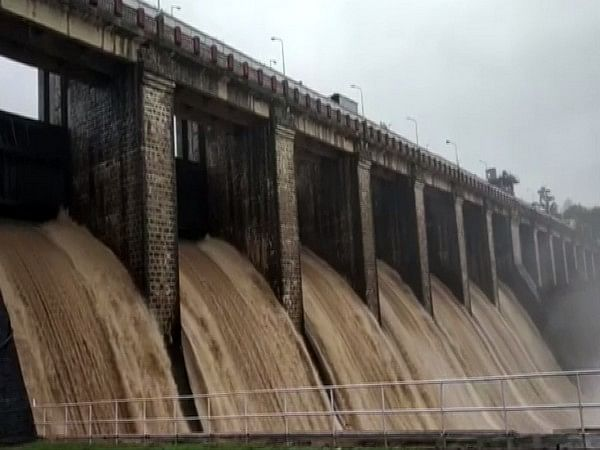 MP: High alert in 50 villages after gates of Satpura Dam opened