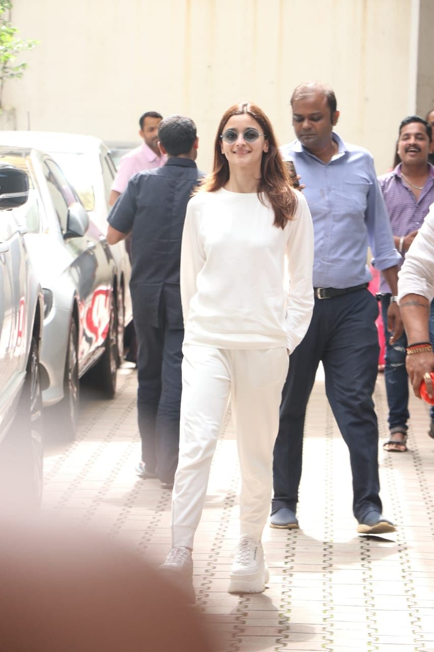 Alia Bhatt was snapped in Mumbai in all white smiling for the shutterbugs