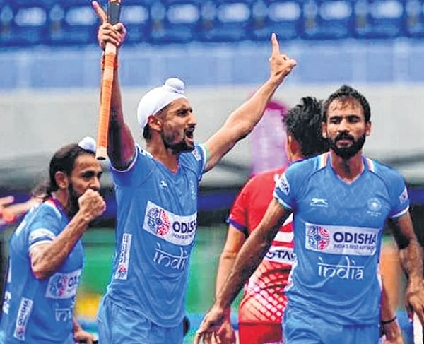 Olympic Test Event: Both men and women hockey make it to finals