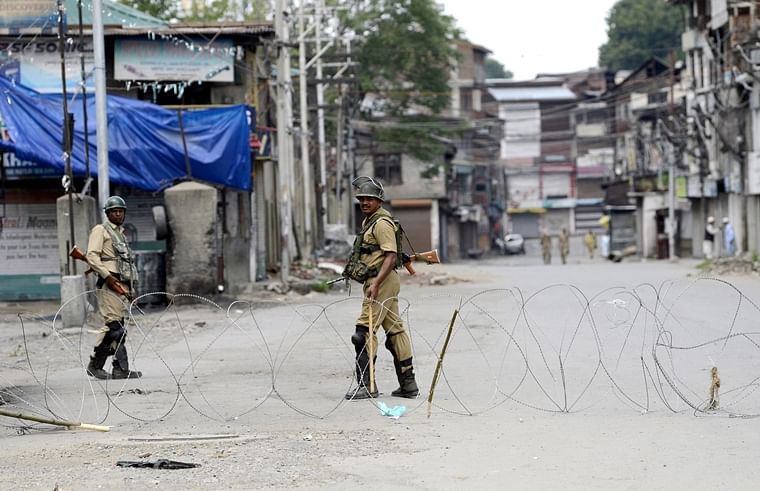 Day 30: Day-time restrictions eased in most parts of Kashmir Valley, markets shut