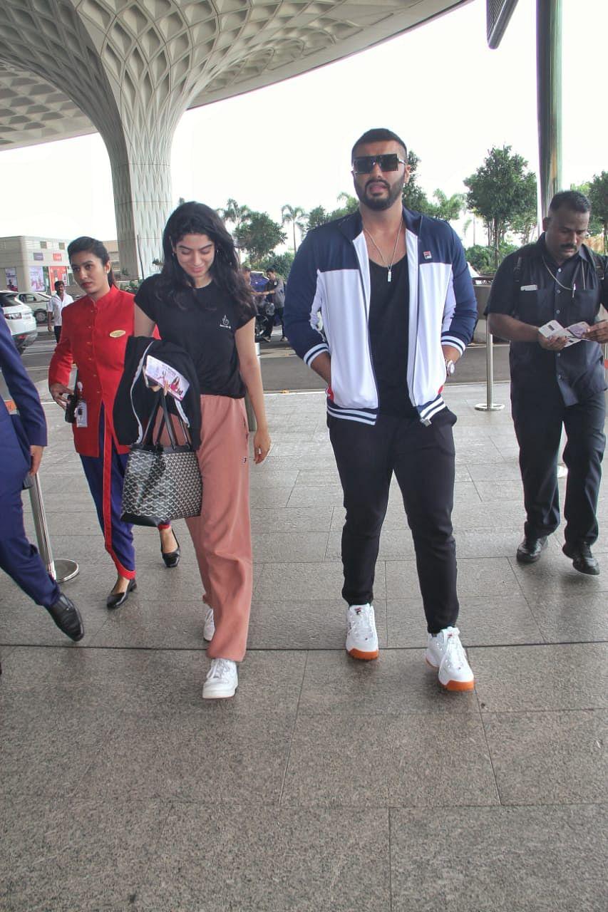 Arjun Kapoor with Sister Khushi kapoor at airport