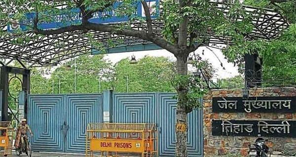 Cell phones inside Tihar: DG Prisons says nexus must be broken