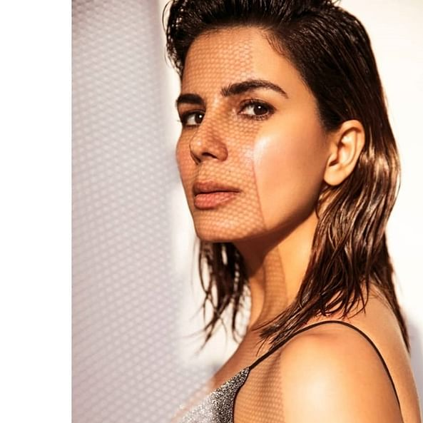 Kirti Kulhari plays a cop in Parineeti Chopra starrer 'The Girl on the Train' remake
