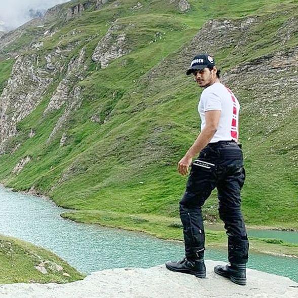 Watch Ishaan Khatter pull off a spider man stunt in Austria