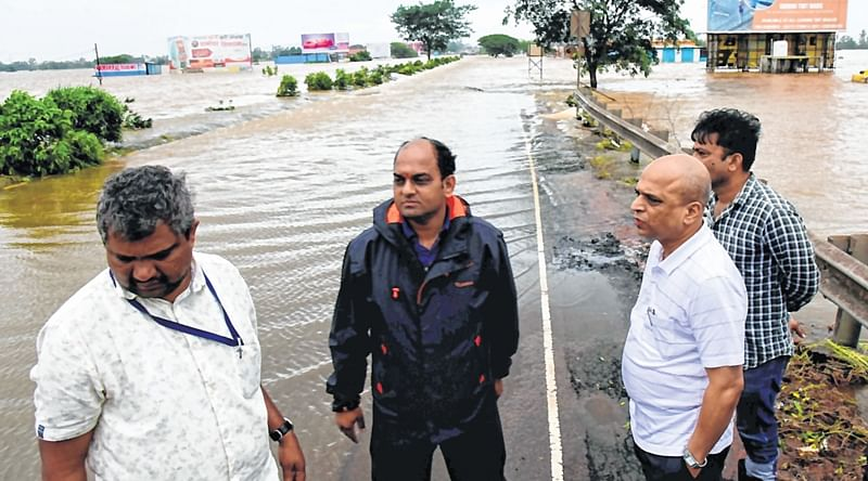 Mumbai: 5 more bodies recovered, boat capsize toll 17