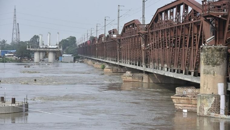 More than 6000 residents of East Delhi to stay in tents as Yamuna water level crosses 'danger mark'