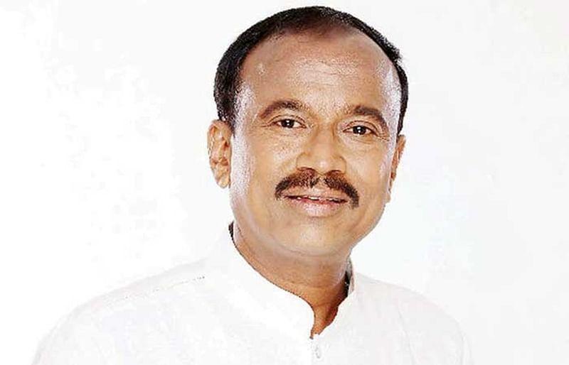 Mumbai: Vitthal Lokare's ghar wapsi to Shiv Sena