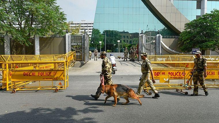 CBI headquarters turns into fortress as sleuths quiz Chidambaram