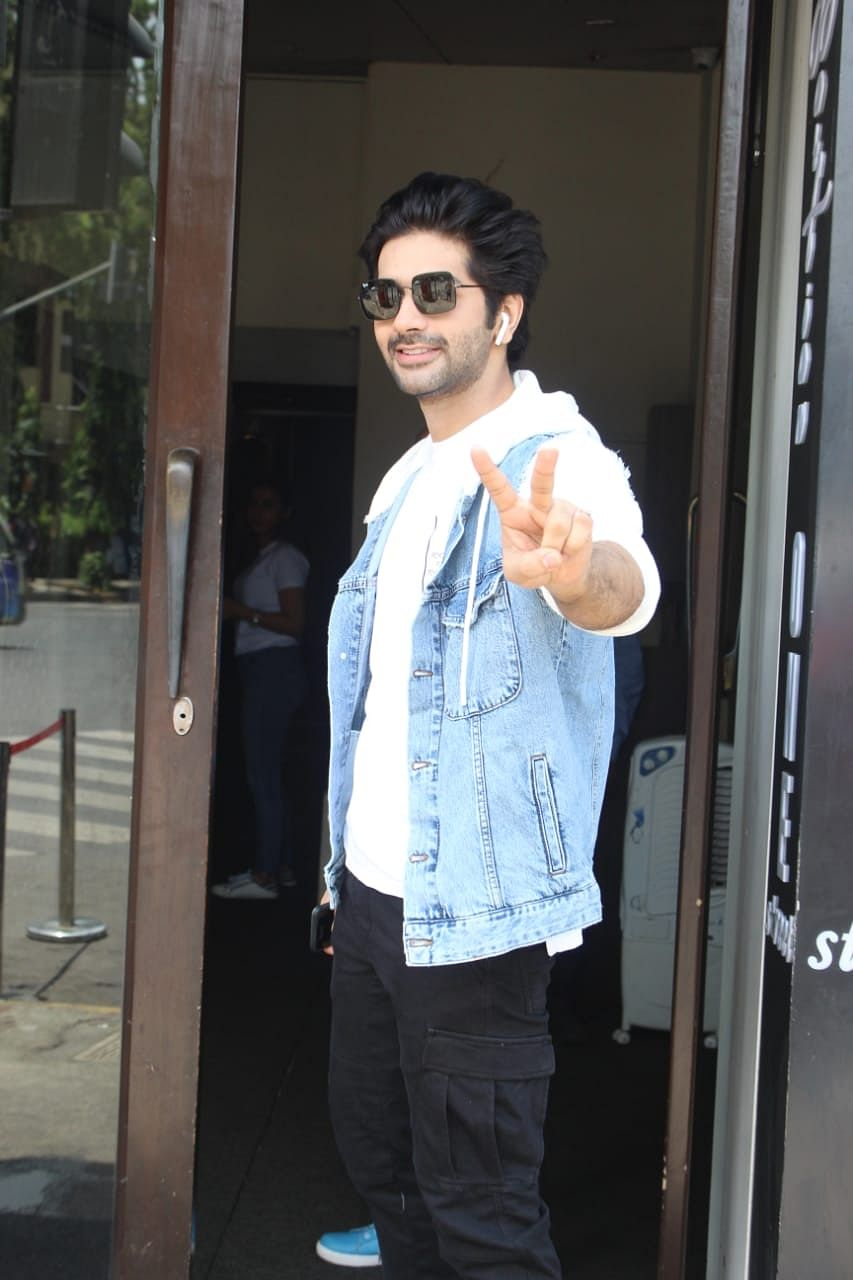 Vardhan Puri, the grandson of Amrish Puri was clicked at the famous celeb restaurant Bastian in Bandra.