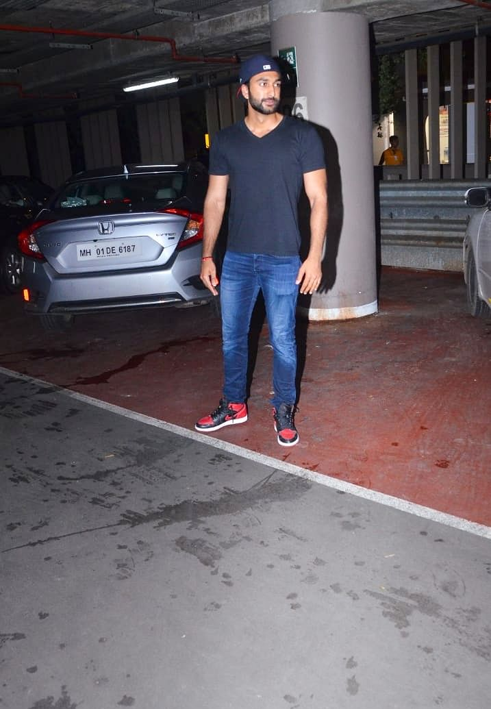 Malaal actor and Javed Jaffrey's son Meezaan Jaffrey was spotted at the airport.