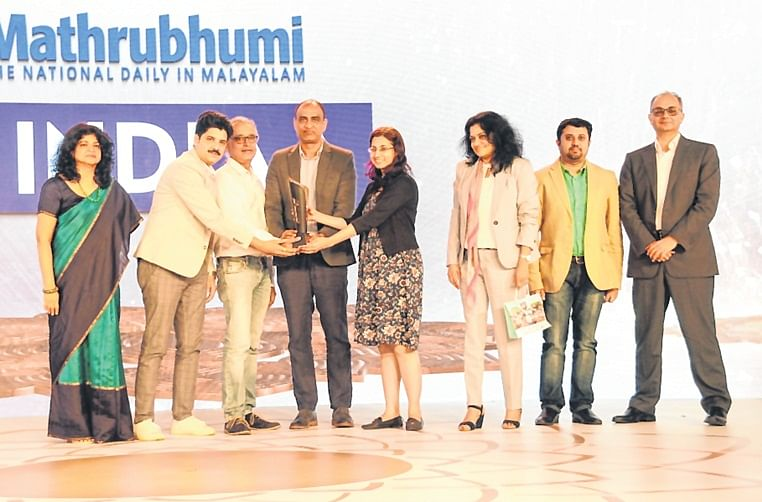 Nandini Dias, IAA Mancom Member and CEO, Lodestar UM;  Punit Misra, CEO, Zee Entertainment Enterprises; and Raj Nair,  CEO and CCO, Madison BMB presented the trophy to the winners — Bata and Contract India team.