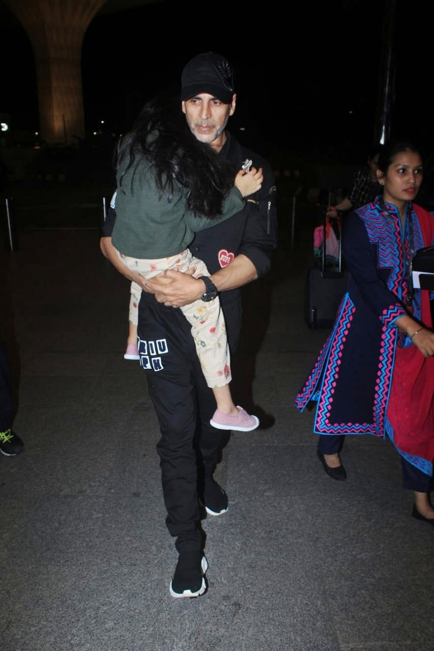 Akshay Kumar who will be celebrating his 52nd birthday with his daughter Nitara and wife Twinkle Khanna has left for London earlier this morning.