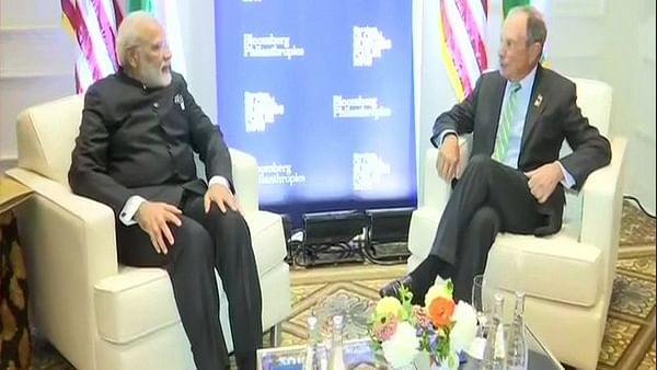 Prime Minister Narendra Modi (L) with (R) former Mayor of New York City, Michael R Bloomberg