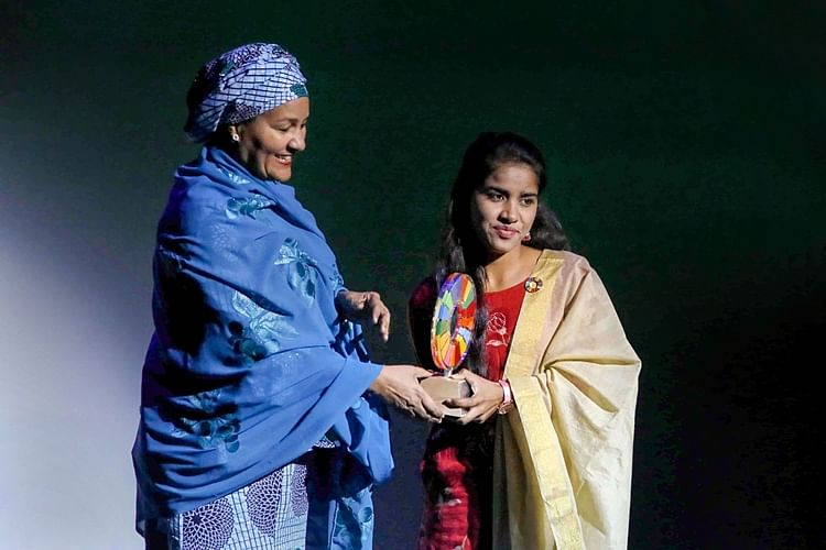 17-year-old Payal Jangid of Rajasthan receives Bill and Melinda Gates Foundation's 'Changemaker Award' from UN Deputy Secretary-General Amina J Mohammed, at the Goalkeepers Global Goals Awards ceremony, in New York.