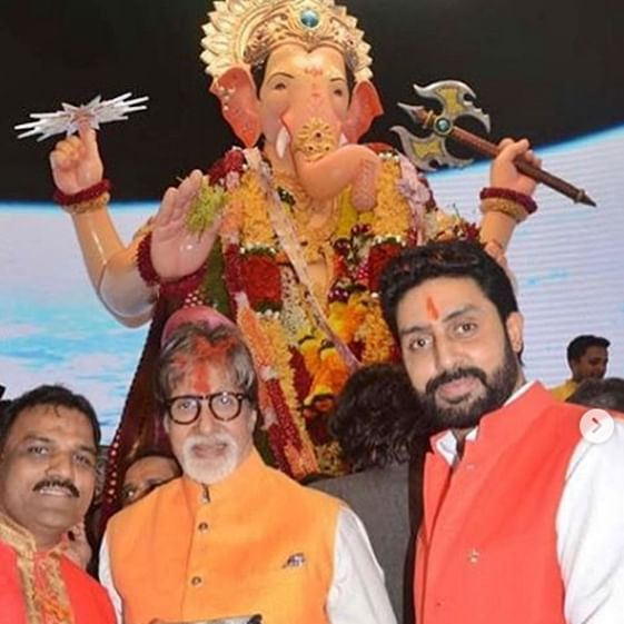 Amitabh Bachchan, Mukesh Ambani  offer prayers at Lalbaugcha Raja in Mumbai