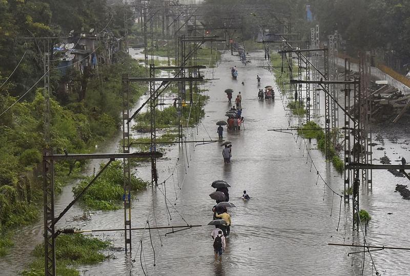 Mumbai: Rain badly hits rail services