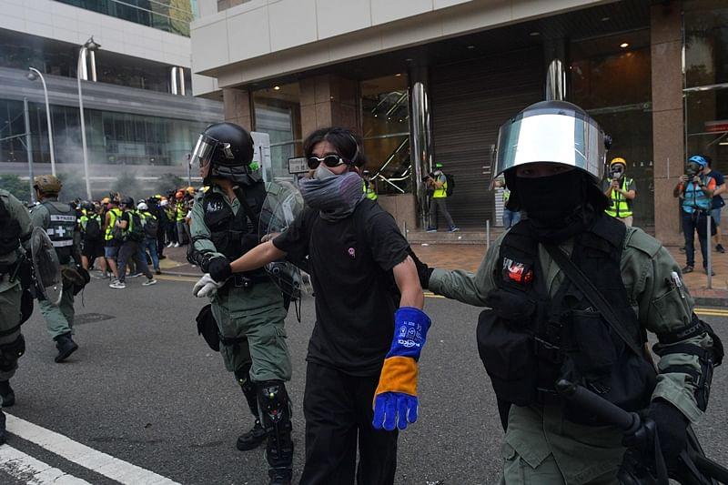 Hong Kong: Intense clashes ahead of China's 70th anniversary
