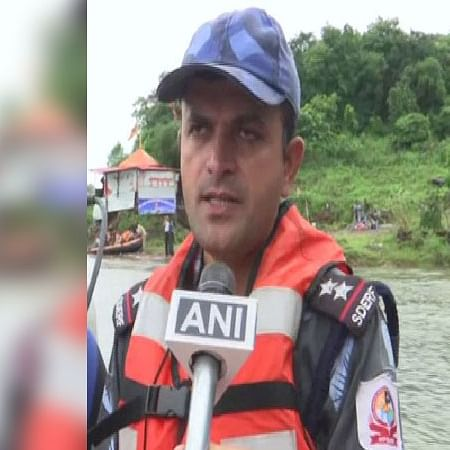 MP: Rescue operations underway in Bhopal after man jumps off bridge