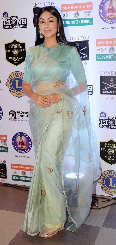 Celeb Fashion: Mrunal Thakur reveals fashion and make-up tips