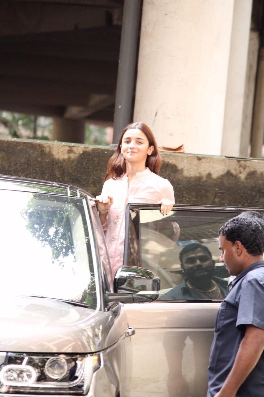 Alia Bhatt Spotted at Bhansali Office Juhu