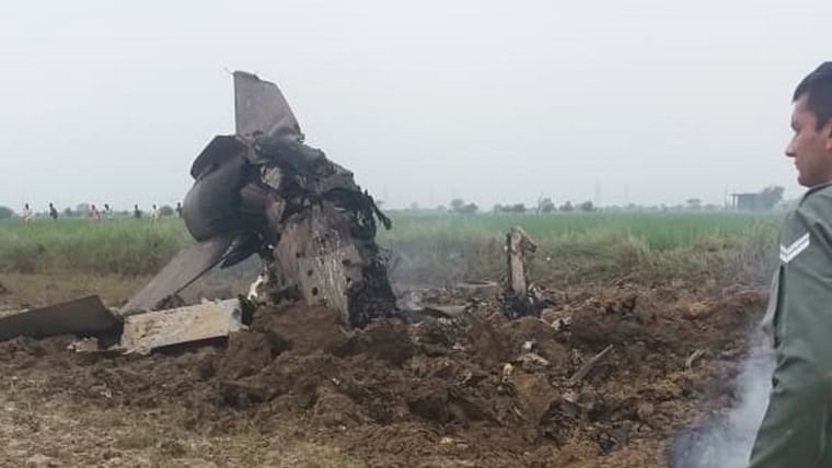 IAF's MiG 21 trainer aircraft crashes near Gwalior airbase, both pilots eject safely