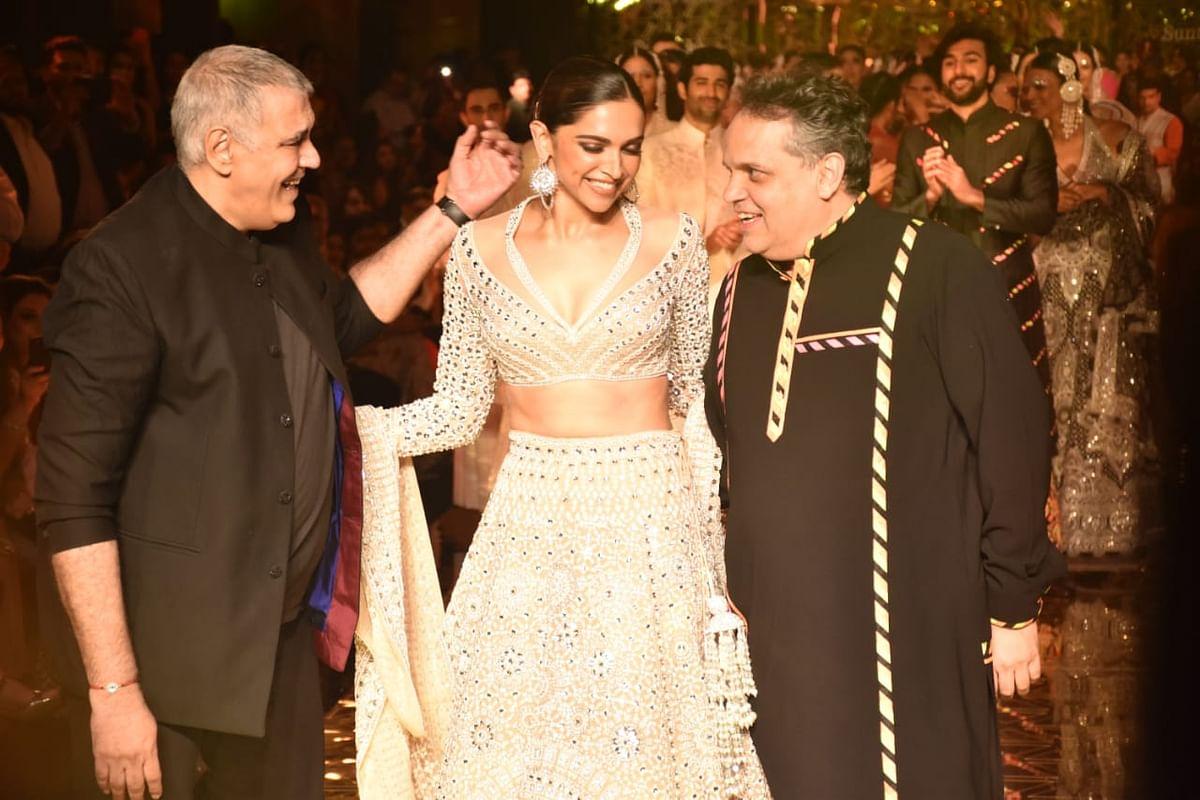 Deepika Padukone sets the stage on fire as Abu Jani - Sandeep Khosla's show stopper