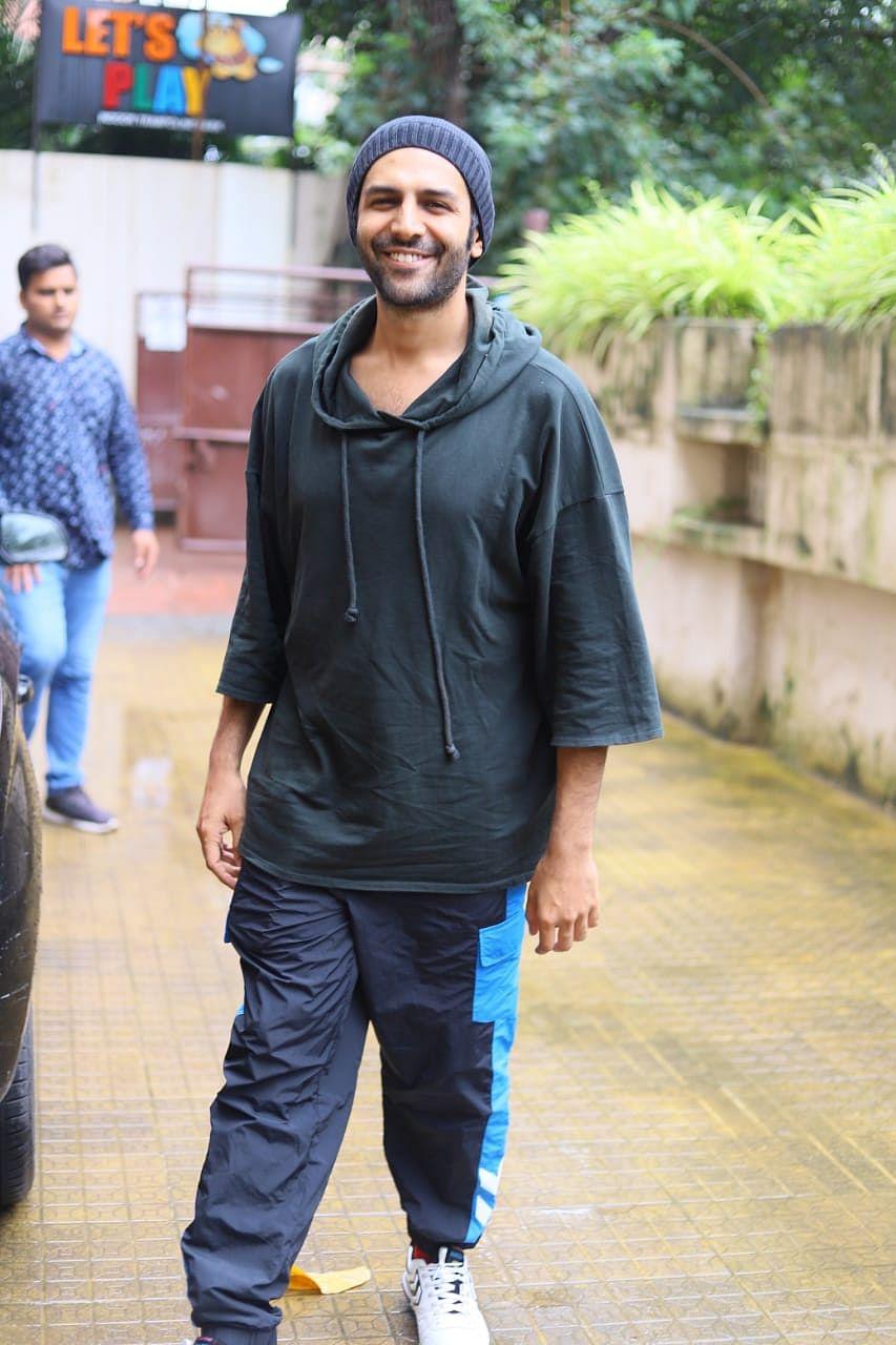 Kartik Aaryan outside his dance classes.