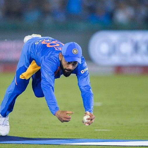 India vs South Africa:Virat Kohli takes sensational catch to send Quinton de Kock packing; Watch video