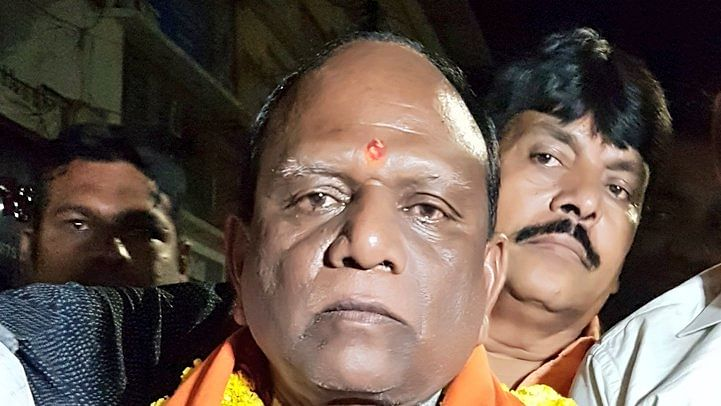 Gujarat BJP MP Mansukh Vasava dubs IAS officer 'angrez' over demolition drive