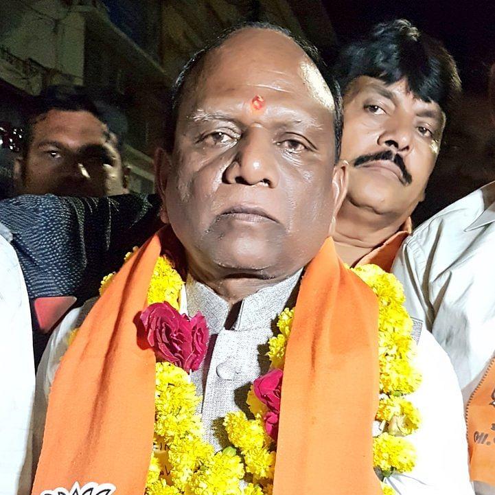 Gujarat BJP MP Mansukh Vasava dubs IAS officer 'angrez' over demolition drive