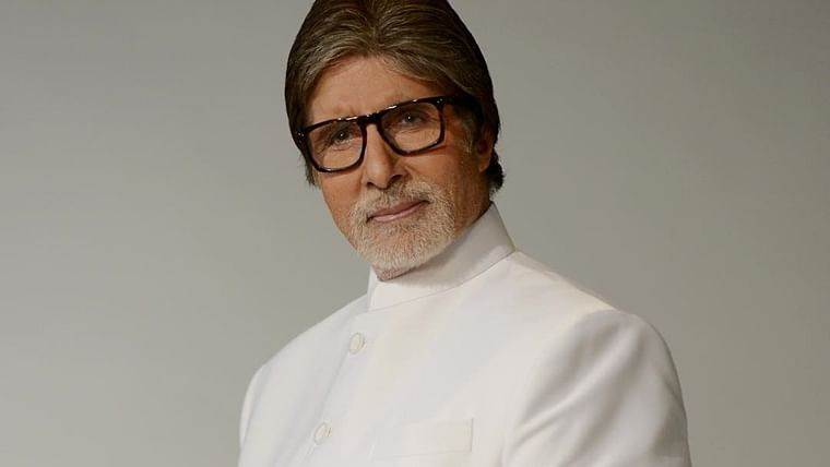 What should you call a selfie in Hindi? Amitabh Bachchan has the answer