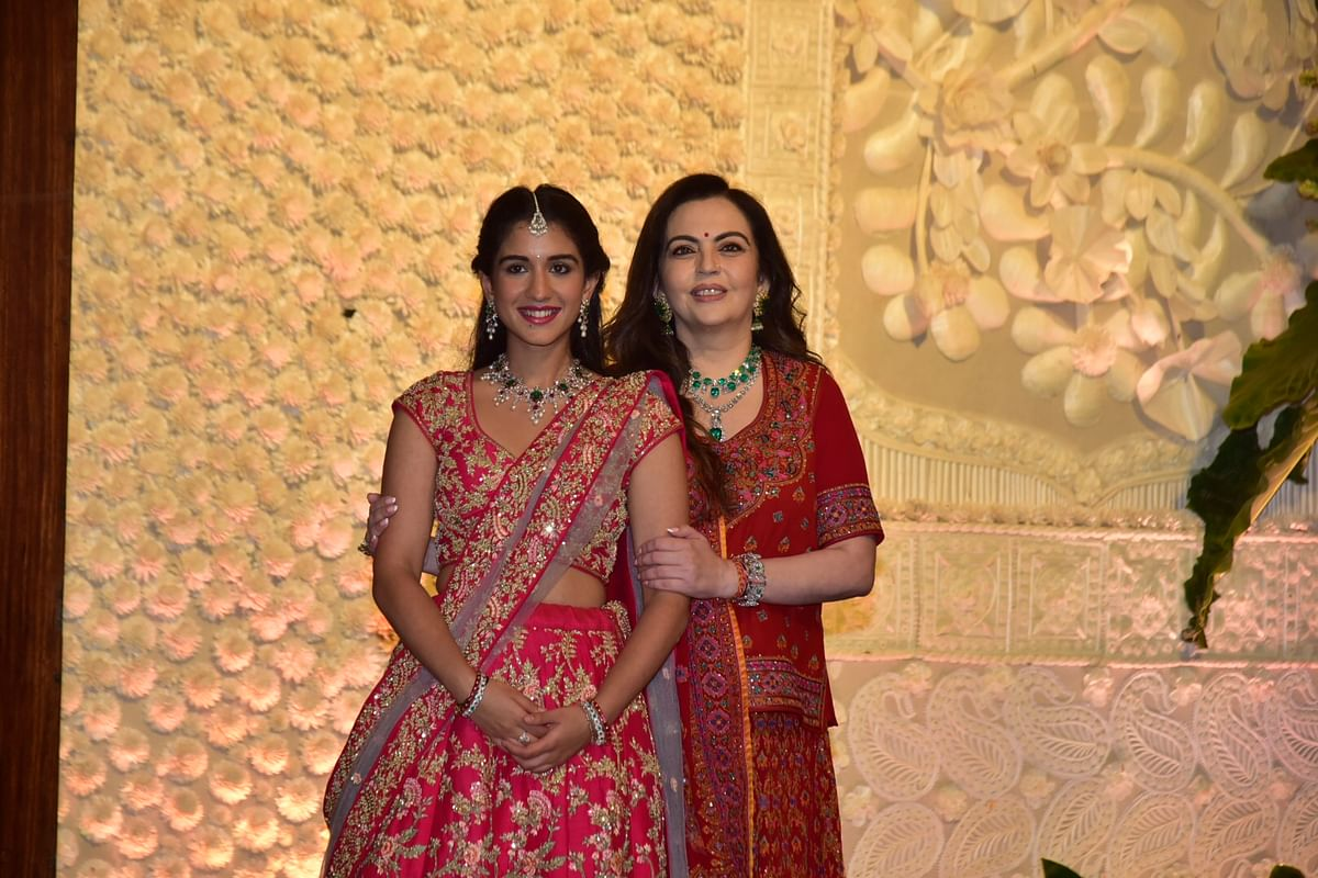 Neeta Ambani with Radhika Merchant