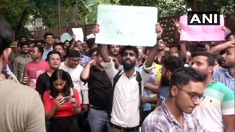 CA students stage protest against ICAI