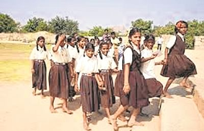Bhopal: Due to the communication gap, only 13 percent of school uniforms distributed, rest lying with SHGs
