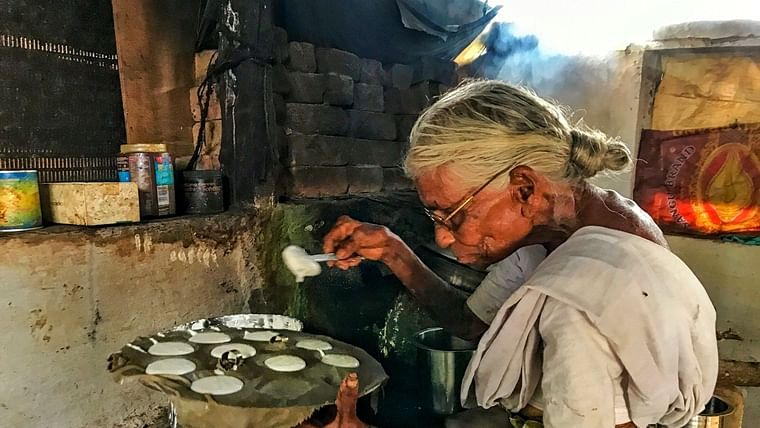 85-Year-old serving Idlis at Re 1, gets support from govt and industry leaders