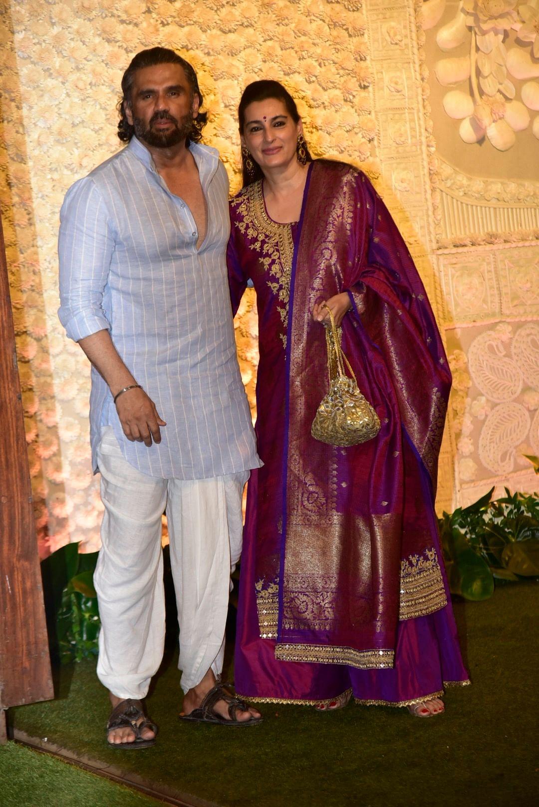 Sunil Shetty with wife