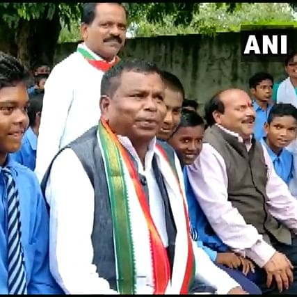 'Hold collar of SP and collector to become big politician': Chhattisgarh minister's lesson to students