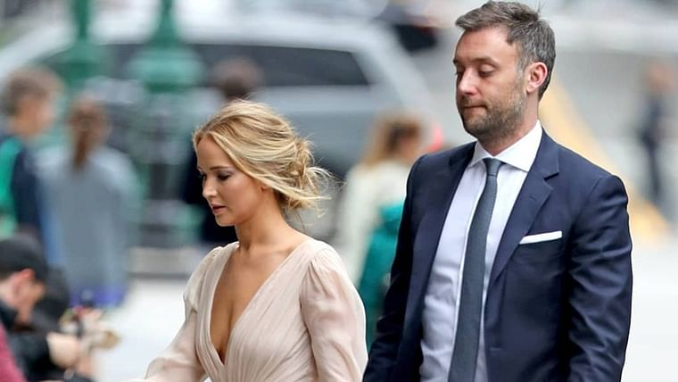 Did Jennifer Lawrence secretly marry her art dealer fiance Cooke Maroney?
