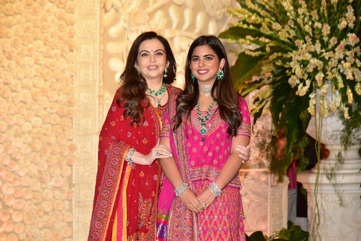 Neeta Ambani snapped with daughter Isha Ambani