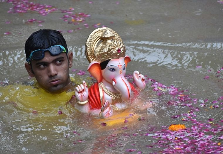 Navi Mumbai: Devotees immerse Ganpati Bappa early as their homes get submerged under floodwater
