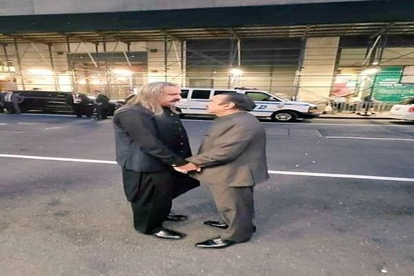 Pakistan ministers' picture starts a meme fest online