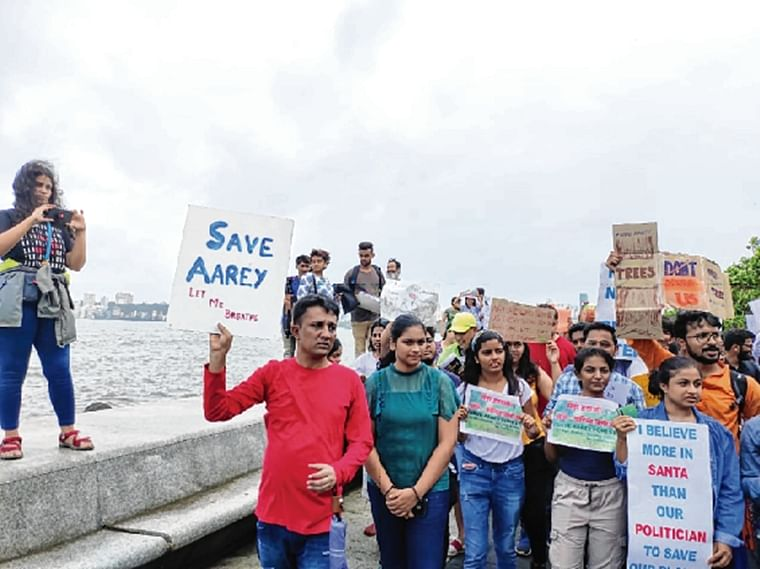 Mumai: Citizens' silent protest to save Aarey