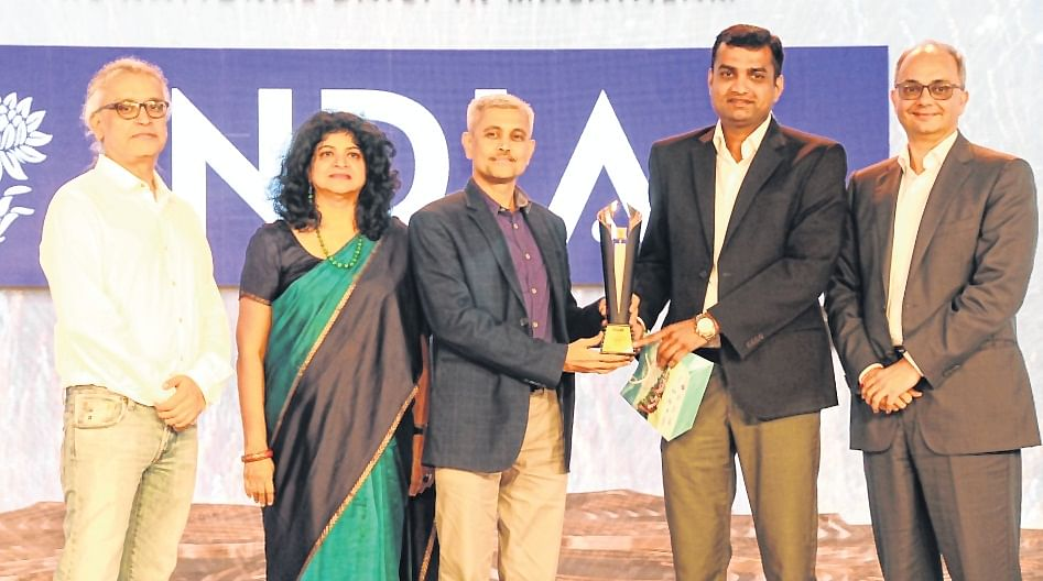 Shreenath Kamlapurkar, Head of Marketing, Honda and Anup Swaika (Department Head Sales Promotion, Honda) received the trophy from Nandini Dias, IAA Mancom Member and CEO, Lodestar UM; Punit Misra, CEO, Zee Entertainment Enterprises; and Raj Nair, CEO and CCO, Madison BMB