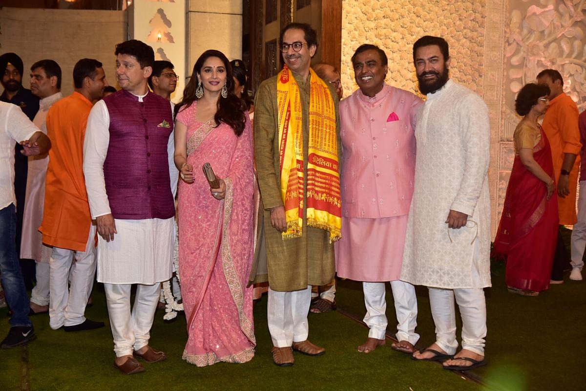 Aamir Khan snapped in a new look at Ambani's Ganpati celebrations