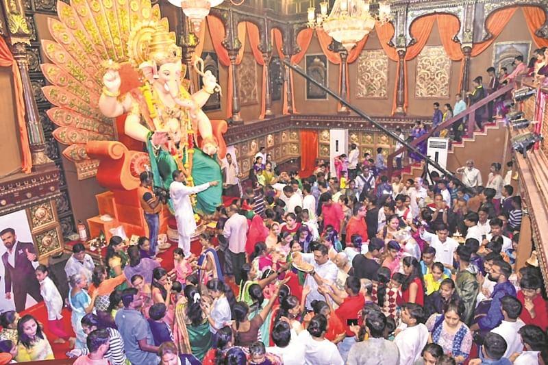 Peshwa-styled Khetwadicha Raja in Galli 12