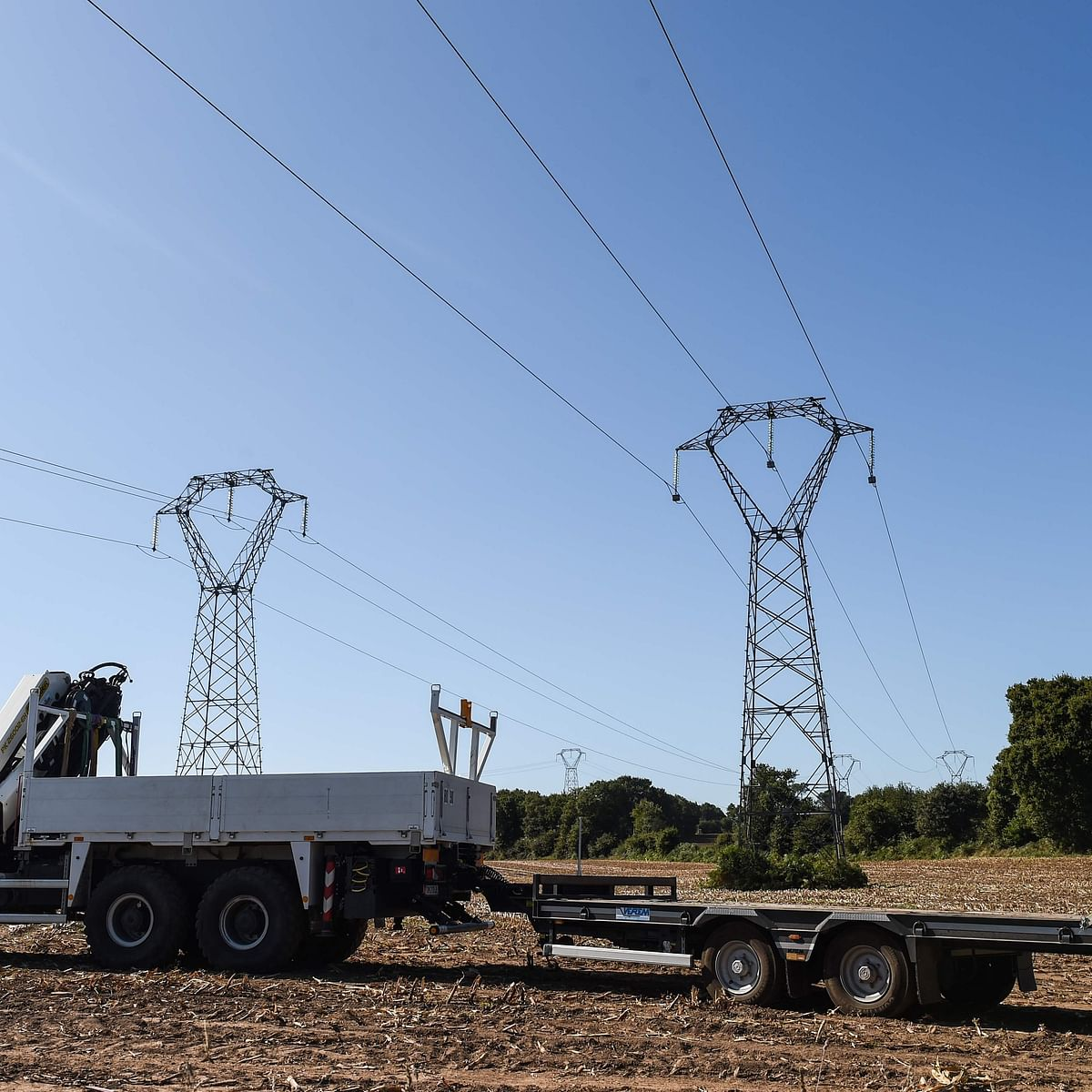 Power producers outstanding dues on distribution companies rise 57% to Rs 78,000 cr in Aug