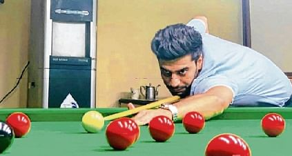 Adit Raja rules over Sparsh Pherwani