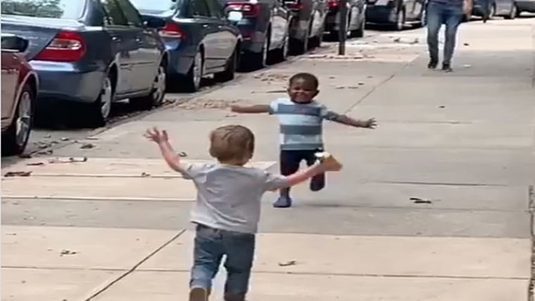 Video of New York toddlers running to hug each other on street goes viral